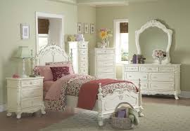 French White Bedroom Furniture by Bedroom Minimalist And Modern Design With White Bedroom Furniture