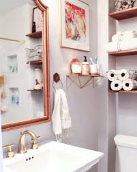 1920s inspired classic small bathroom