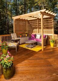 pergola balkon balkon terrasse scihtschutz ideen holz pergola spalieren sitzecke