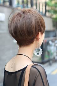 pictures of back of hair short bobs with bangs short haircut back view woman