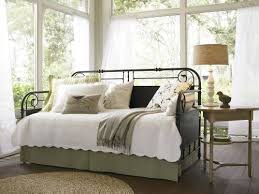 daybed images what to look for in a daybed