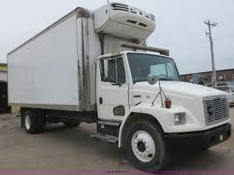 2004 freightliner fl70 refrigerated box truck item d2157