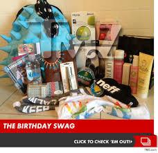 Makeup Gift Baskets Kylie Jenner Sweet 16 150 000 In Gift Bags Headphones