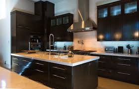 meuble de cuisine bois massif cuisines bois meuble cuisine cuisine bois massif moderne bahbe com