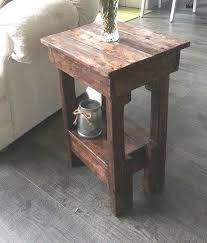 Make Outdoor End Table by He Grabbed An Old Pallet And Made This In Under 2 Hours Incredible