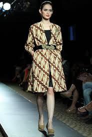 desain baju batik untuk acara resmi model baju batik modern dan cantik untuk suasana formal
