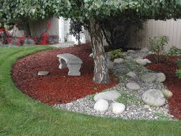 great idea for landscaping that awkward space underneath the trees