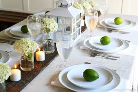 Decorating A Summer Table With Limes - Dining room table decorations for summer