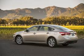 lexus es vs toyota avalon 2015 toyota avalon xle touring refining the flagship review