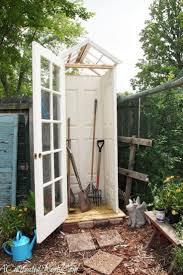 construire son chalet en bois les 25 meilleures idées de la catégorie construire abri de jardin