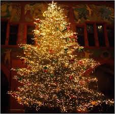 marvelous decoration with small lighted tree