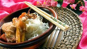Savor Thai Delicacies at Authentic Food Stalls