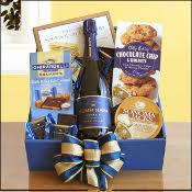 bridal shower gift basket ideas bridal shower gift baskets