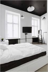 chambre noir et blanche design chambre blanche moderne plafond noir
