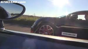 car pushing the limits koenigsegg koenigsegg agera r vs bugatti veyron vitesse in topspeed mode