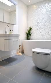 mosaique cuisine pas cher mosaique cuisine une salle de bains grise aclacgance et chic