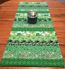 st patrick s day table runner st patricks day decorations your next sewing project sewing project