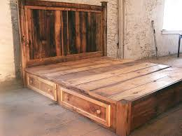 Queen Platform Bed With Storage Plans by Best 25 Reclaimed Wood Beds Ideas On Pinterest Reclaimed Wood
