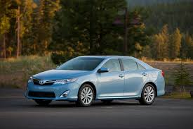 how does the toyota camry hybrid work 2012 toyota camry hybrid overview cars com