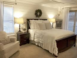 Wooden Wall Bedroom White Wood Wall With Horizontal Accent White Simple Classic Table