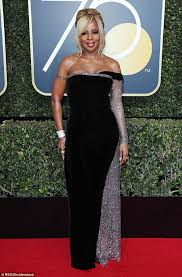 mary j blige hairstyle with sam smith wig mary j blige wears strapless velour gown at golden globes daily