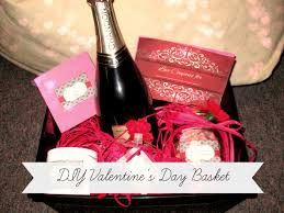 Valentine S Day Gift Baskets Build The Perfect Valentine U0027s Day Gift Basket