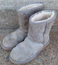 womens gray boots size 11 ugg womens flora perf boots chestnut size 11 style