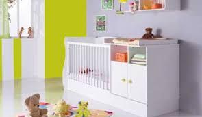 amenager un coin bebe dans la chambre des parents coin bebe chambre parents idées de design suezl com