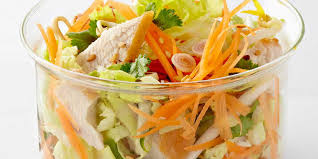 cuisiner chou chinois salade thaï de poulet au chou chinois facile et pas cher recette