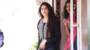 Ryan From Flipping Out by Sridevi U0027s Gorgeous Daughter Jhanvi Kapoor Rocks With Loop