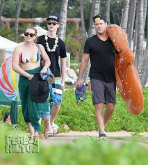 hilary duff mike comrie escape to hawaii for a family vacation