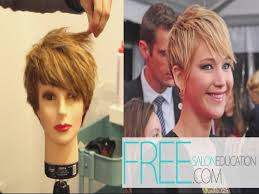 how to style a pixie cut different ways black hair how to style a pixie haircut two different ways youtube how to