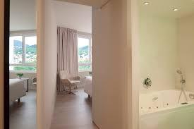 hotel baignoire dans la chambre hotels clermontois 4 étoiles oceania clermont ferrand
