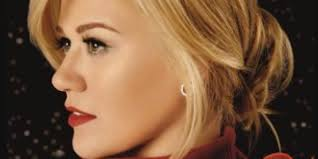 kelly clarkson releases christmas song u0027underneath the tree