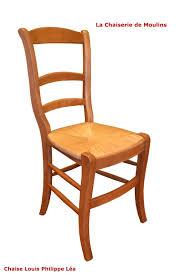 chaises louis philippe chaise louis philippe en hêtre massif la chaiserie