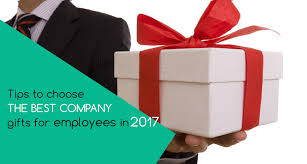 company gifts for employees in dubai tips to the best one