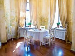 Cottage Dining Room Ideas by Round Dining Room Table And Chairs Using Floral Curtain Designs