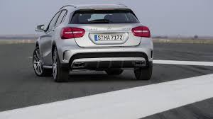 mercedes a 45 amg 4matic high powered hatch 2015 mercedes gla45 amg 4matic review
