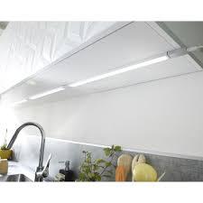 eclairage meuble cuisine led réglette à fixer plate led intégrée 35 cm inspire 3 5 w gris