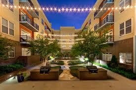nice courtyard apartment buildings chicago loversiq