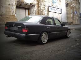 mercedes porsche 500e mercedes w124 300e zwart auto nr 7 met