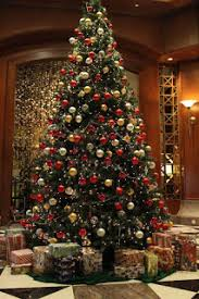 pros and cons to an artificial christmas tree