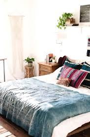 Kommode F Schlafzimmer Weiss Farbige Kommode Für Weisses Schlafzimmer Ideen Aufdringlich Auf