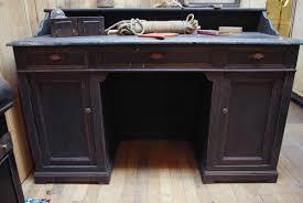 bureau en bois ancien ancien bureau d école en bois par le marchand d oublis