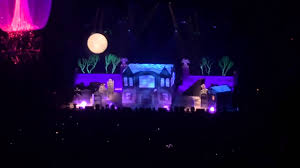 spooky house halloween the haunted house halloween set phish mgm grand garden youtube