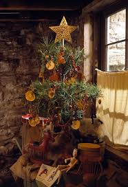 early american tree primitive tree decorations and