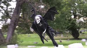 flying demon halloween prank by tom mabe best funny videos
