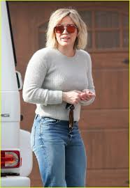 hilary duff engagement ring hilary duff gets christmas cozy with sister haylie duff u0027s daughter