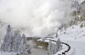 winter yellowstone national park lodges