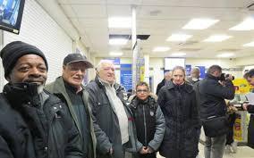 bureau de poste lazare stains le bureau de poste rouvre avec le soutien des habitants